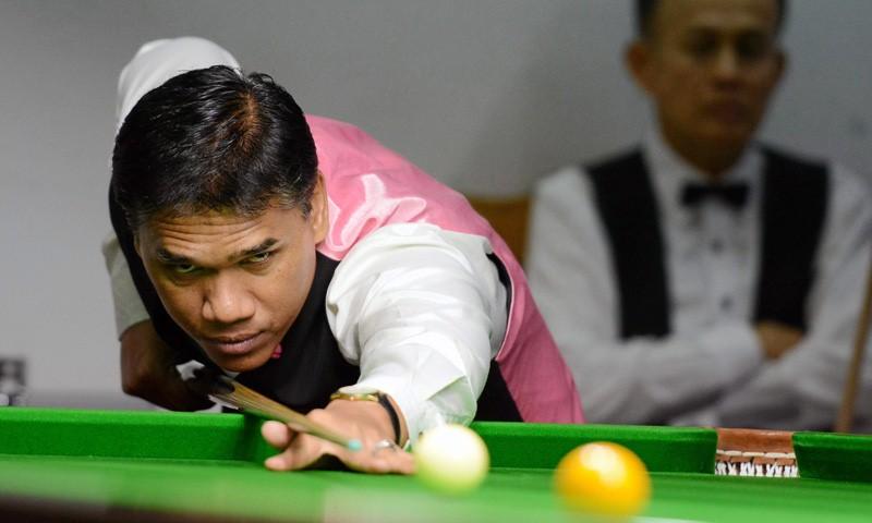 นักบิลเลียดแชมป์โลกสัญชาติไทย ประพฤติ ชัยธนสกุล
